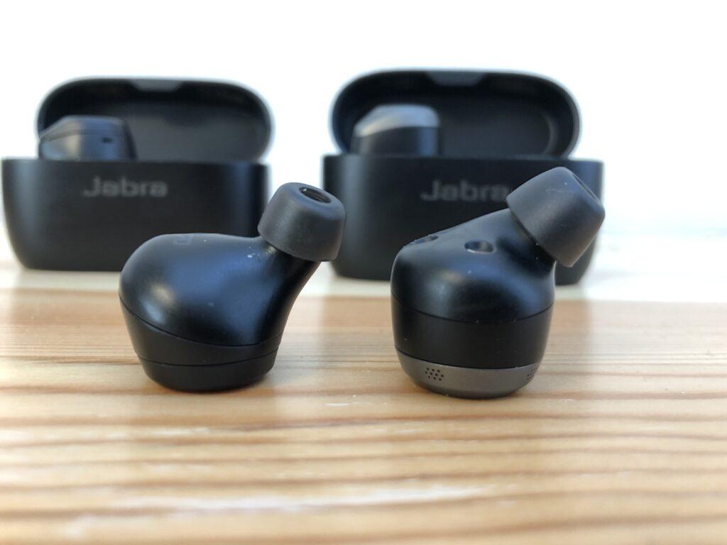 Jabra Elite85tの大きさ比較③